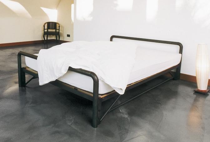 Кровать в стиле лофт K014