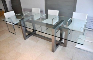 Изготовление стеклянных сталов на заказ в Москве