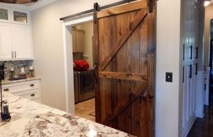 Изготовление амбарных дверей в стиле лофт, раздвижные межкомнатные амбарные двери лофт любой сложности по вашим размерам и дизайну на заказ