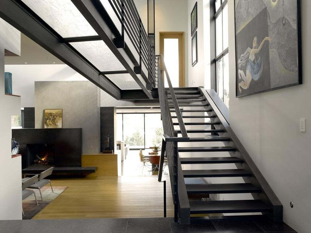 Лестницы в стиле лофт